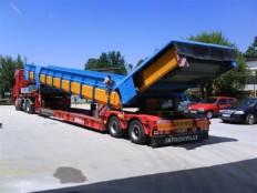 transportni trak med prevozom k stranki