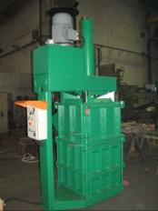 Vertikalna stiskalnica za stiskanje plocevink S-32S