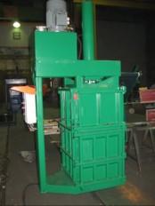 Vertikalna stiskalnica za stiskanje sodov S-32S